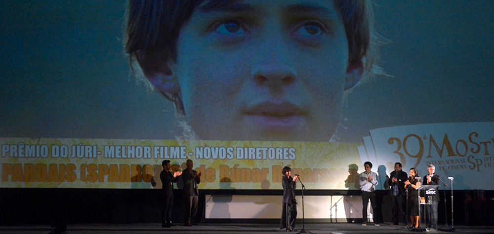 """""""Sparrows"""" wins the Bandeira Paulista prize of the 39th Mostra"""